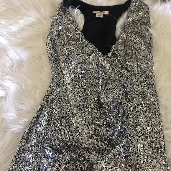 Arden B Dresses & Skirts - Sequence wrap dress